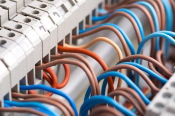 Equipements électriques et précablages